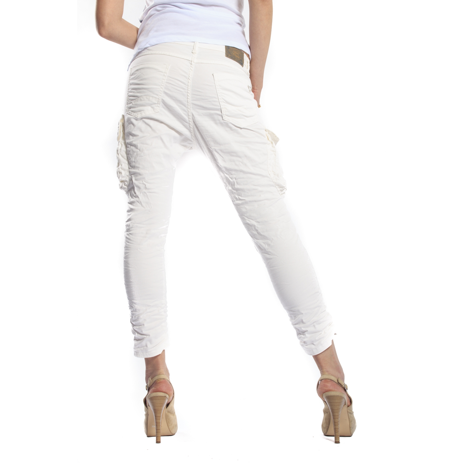 Women's Jeans. Discover designer and brand name women's jeggings, skinny jeans, straight jeans, bootcut jeans and flare jeans for neo-craft.gq, we are tracking trends in colored jeans, high rise denim and special hem details for women!