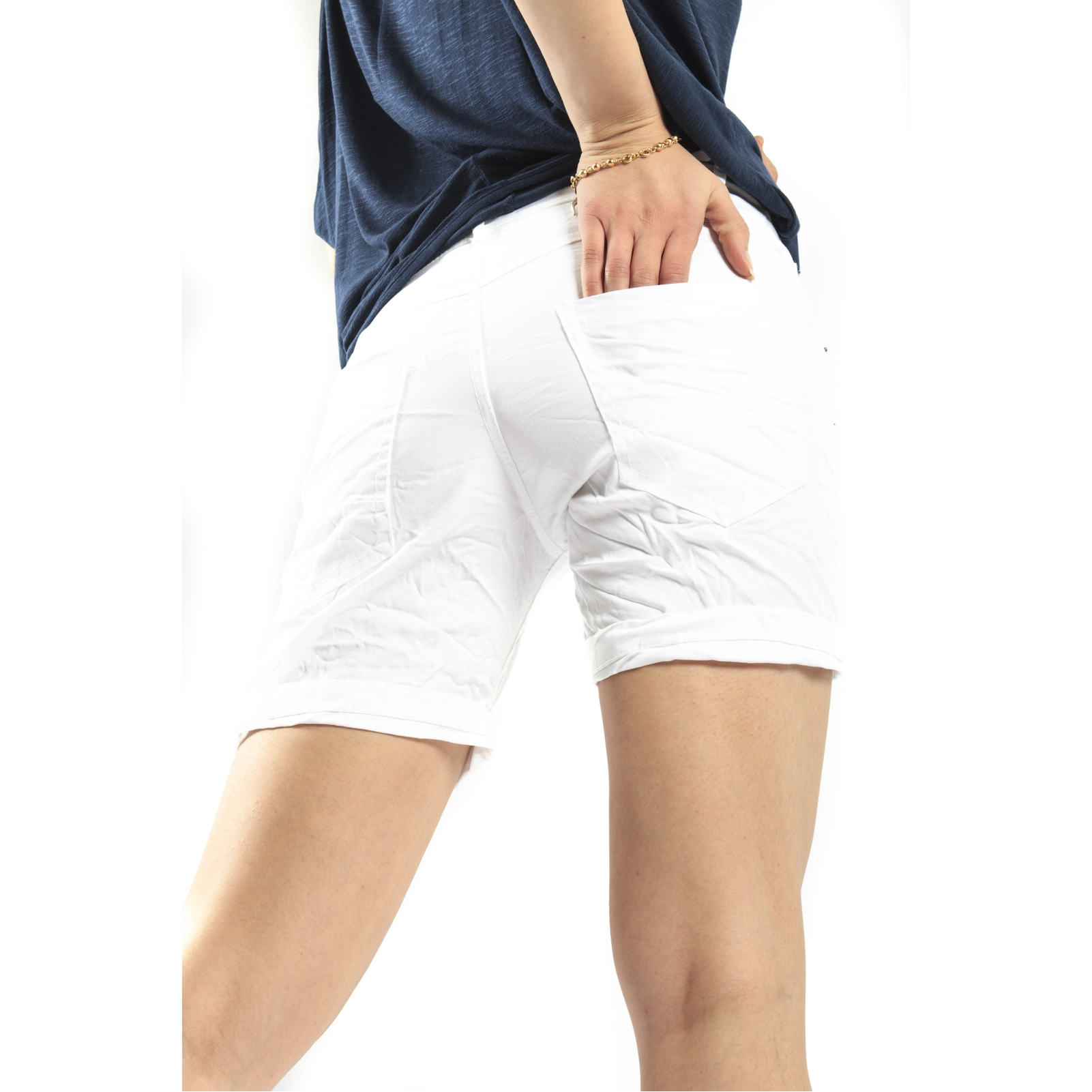 Baggy Cycling Shorts Full-on performance for the trail or just cruisin' around the town. Women's baggy cycling shorts enhance moving comfort, resist scrapes and scuffs, and keep you looking great on .